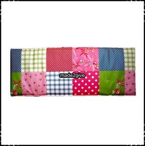 Kussen voor zitplank babboe patchwork deco made2give - Deco wc rood ...