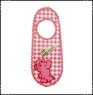 Deurhanger-Ssst-baby-slaapt!-boerenruit-roze-met-beertje