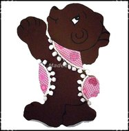 Wanddecoratie-beer-roze-paars-aangekleed