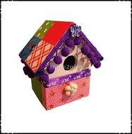 Vogelhuisje-medium-Home-collectie-met-paarse-bolletjes